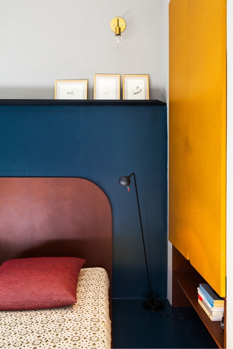 Promenade Apartment - Yellow and Gray Colors Give a True Retro Touch (6)