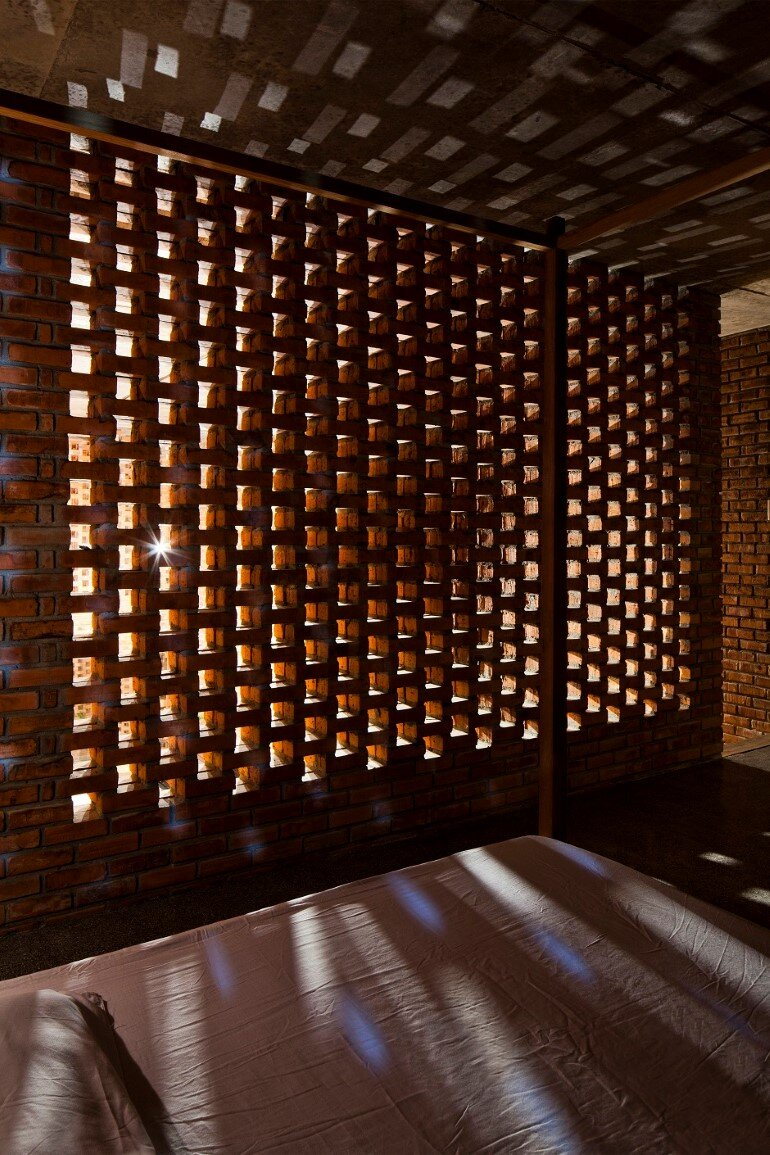 Termitary House Has an Architecture Inspired by Termite Nests (14)