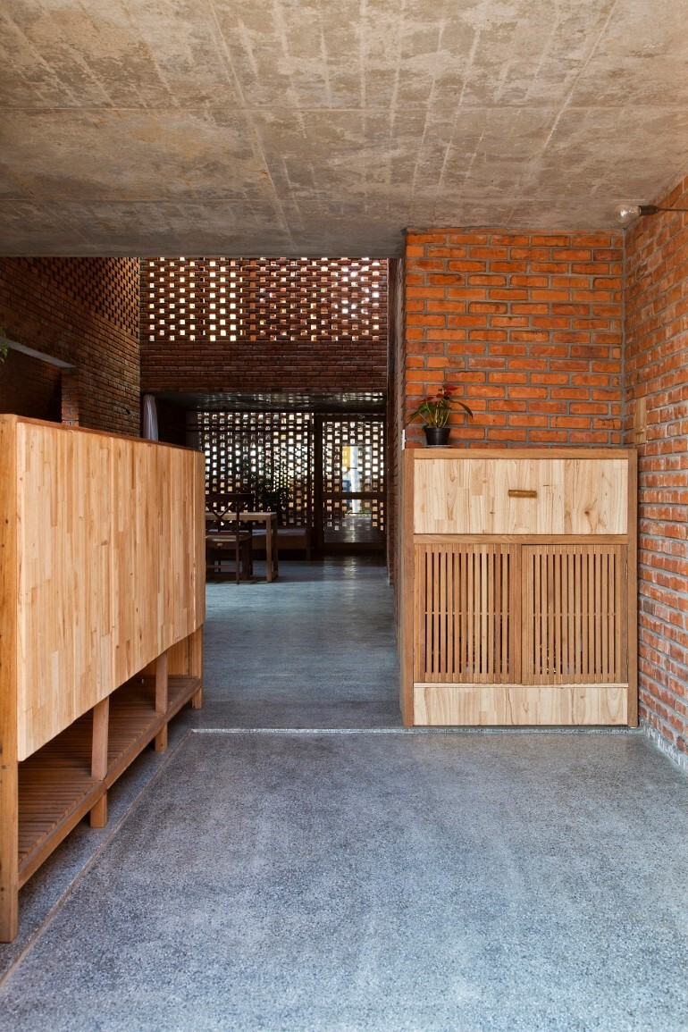 Termitary House Has an Architecture Inspired by Termite Nests (15)