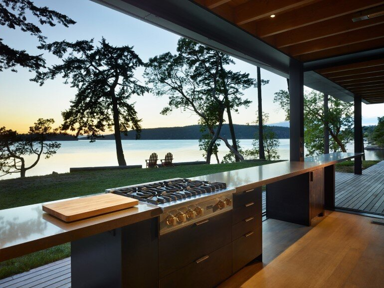 This Waterfront Retreat is Embraced by Dense Woods (12)