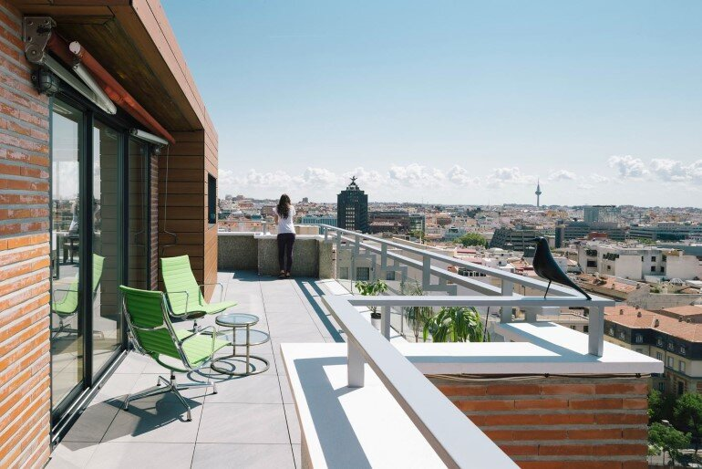 Attic House Situated in a Tower in the Center of Madrid (1)