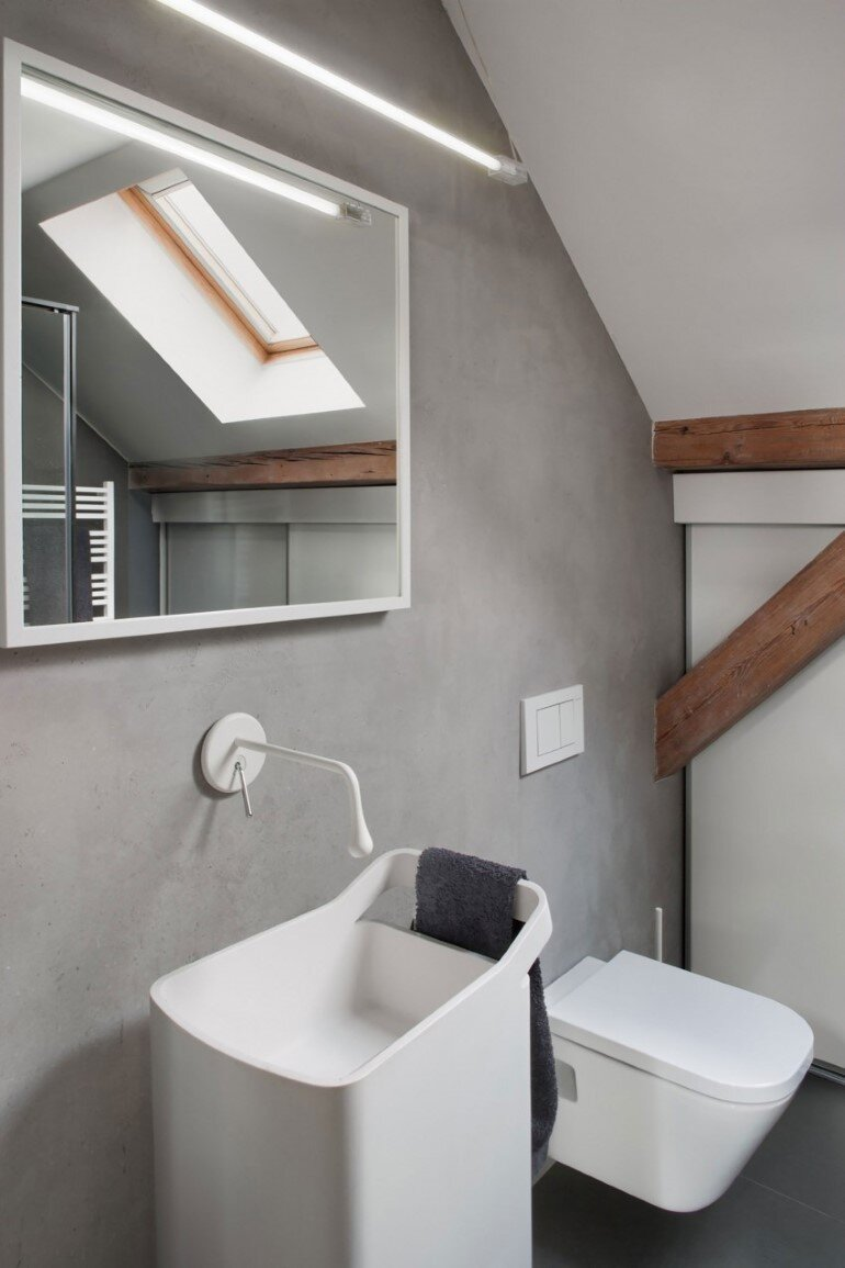 Attic Renovation in Poznań, Poland by Cuns Studio (12)
