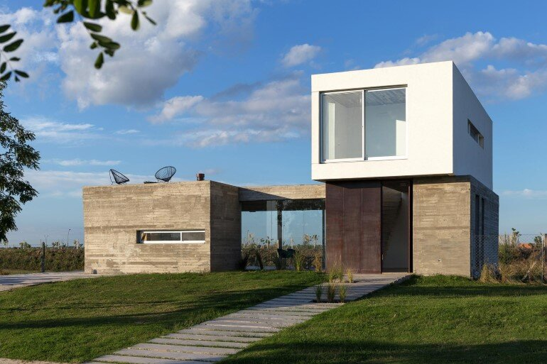 BAM! Arquitectura Has Designed a Flexible House for a Young Single (6)