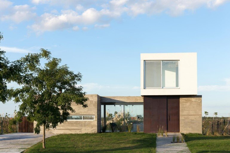 BAM! Arquitectura Has Designed a Flexible House for a Young Single (7)