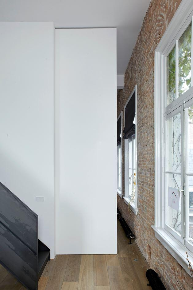 Canal House - Industrial Loft with Character in Amsterdam  (11)