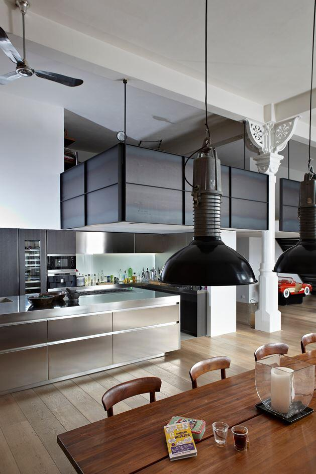 Canal House - Industrial Loft with Character in Amsterdam  (12)