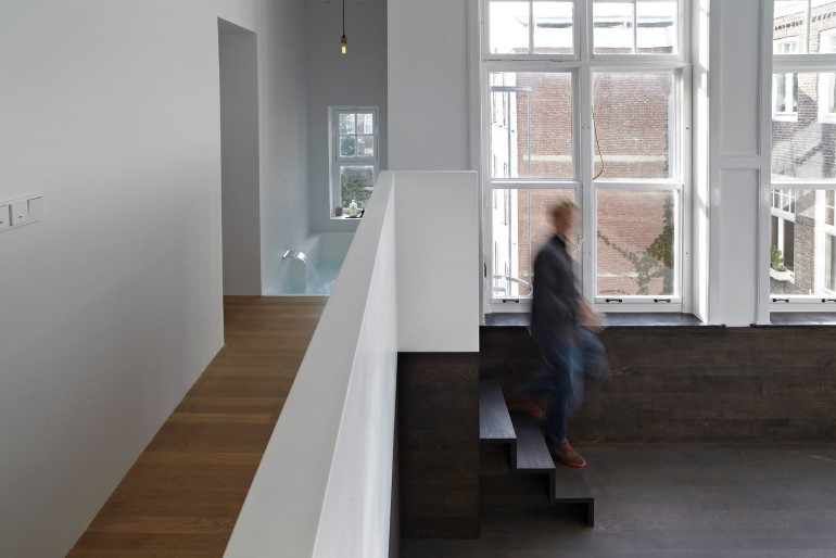 Canal House - Industrial Loft with Character in Amsterdam  (17)