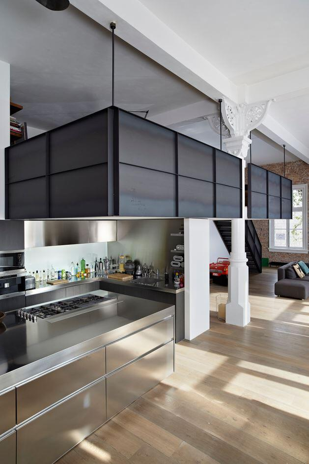 Canal House - Industrial Loft with Character in Amsterdam  (3)