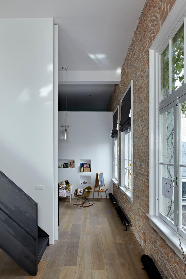 Canal House - Industrial Loft with Character in Amsterdam  (7)