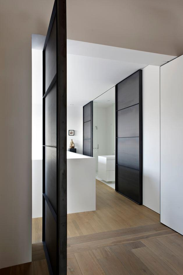 Canal house industrial loft with character in amsterdam for Industrial design amsterdam