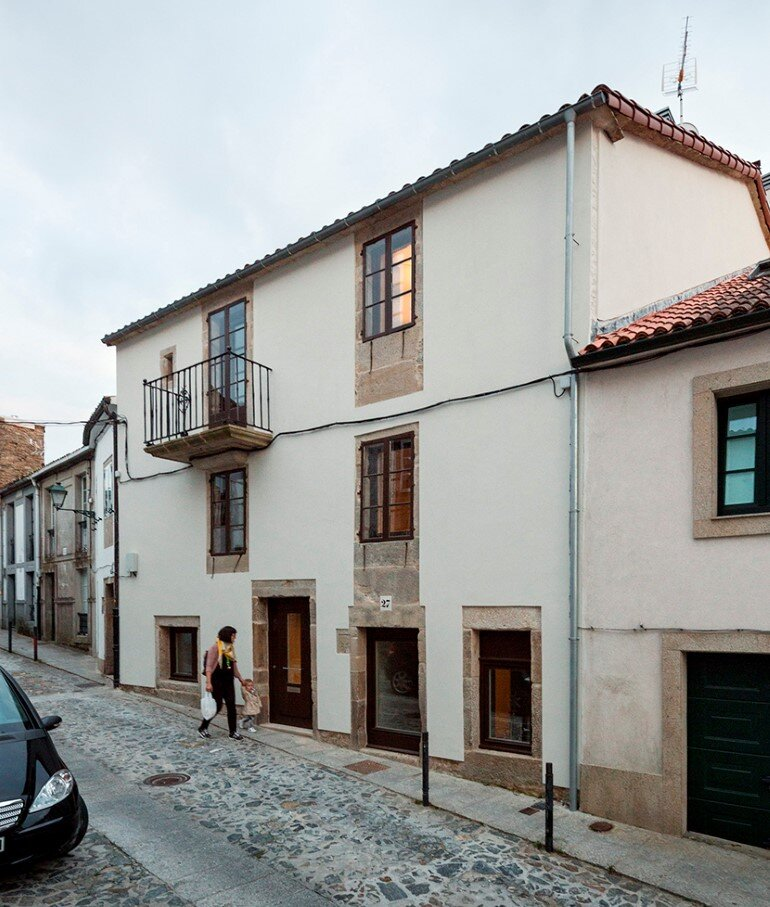 Casa do Medio - Rehabilitation of a Traditional House (1)