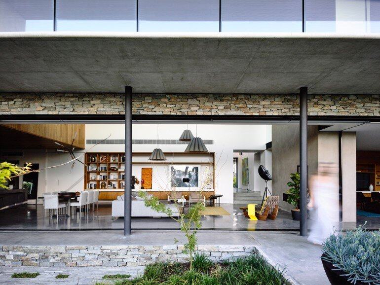 Concrete House Provide Strong Visual Connections Between Levels (14)