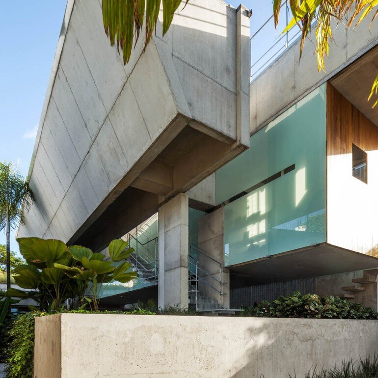 Concrete Weekend House in Downtown São Paulo (2)