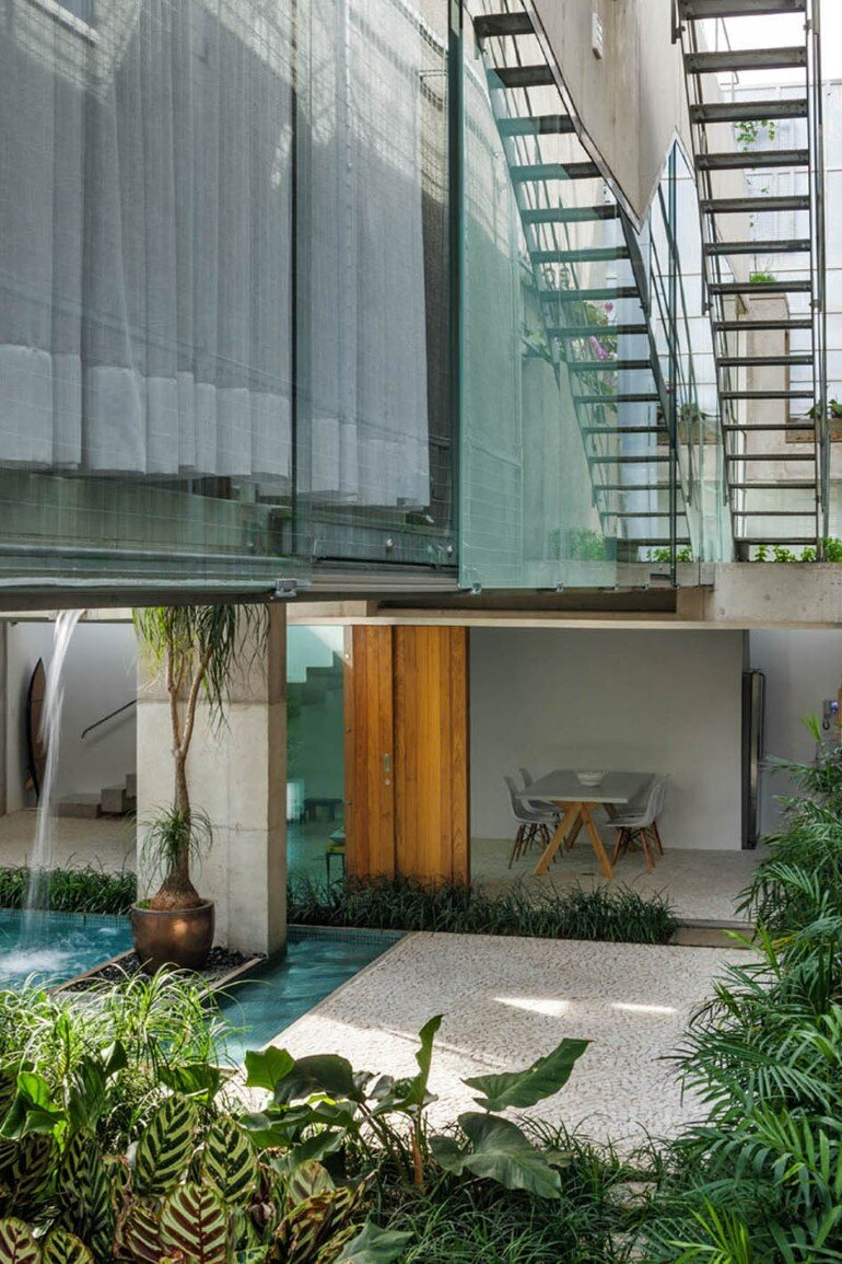 Concrete Weekend House in Downtown São Paulo (21)