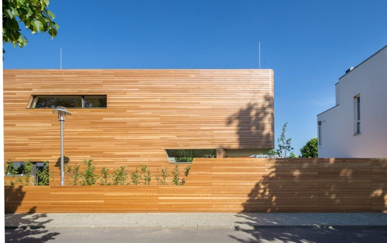 Plus-Energy Houses / Environment-friendly buildings by GRAFT (4)