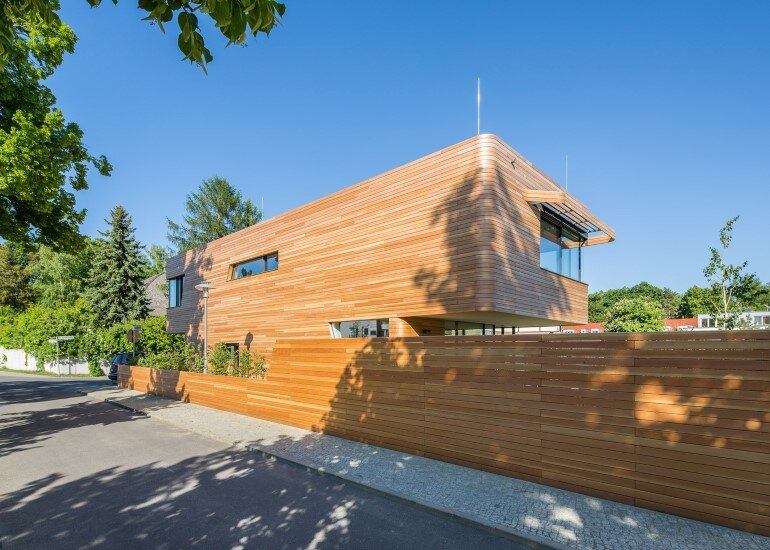 Plus-Energy Houses / Environment-friendly buildings by GRAFT (5)