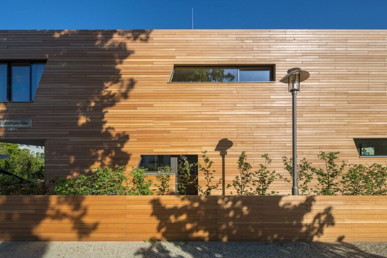 Plus-Energy Houses / Environment-friendly buildings by GRAFT (6)