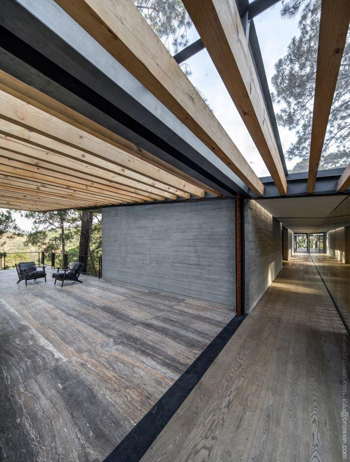 Family House Under the Trees - Irekua Anatani House (13)