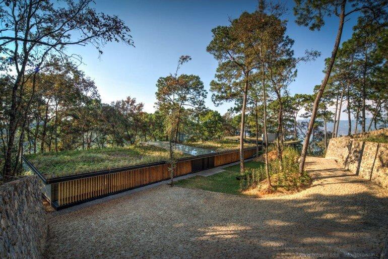 Family House Under the Trees - Irekua Anatani House (16)