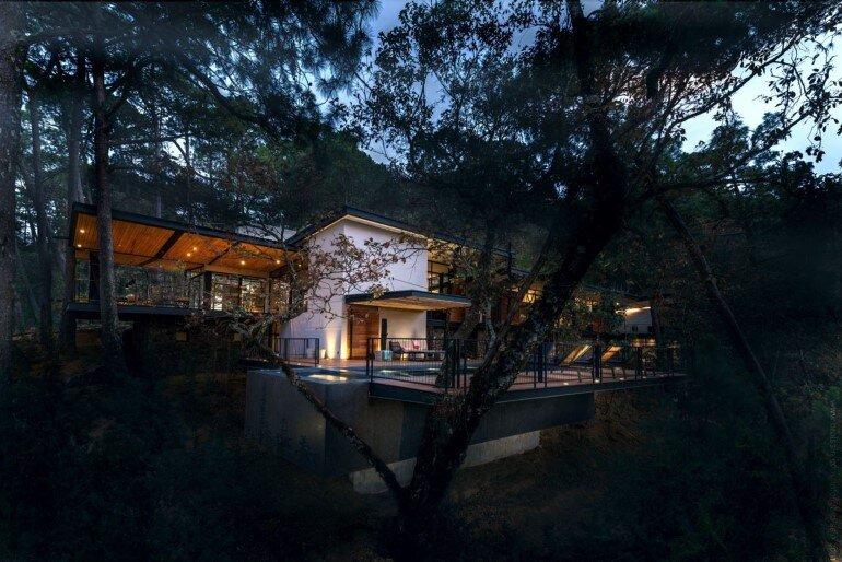 Family House Under the Trees - Irekua Anatani House (2)