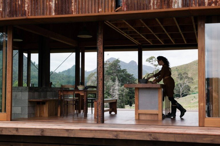 K Valley House - A Retreat for Film Makers by Herbst Architects (2)