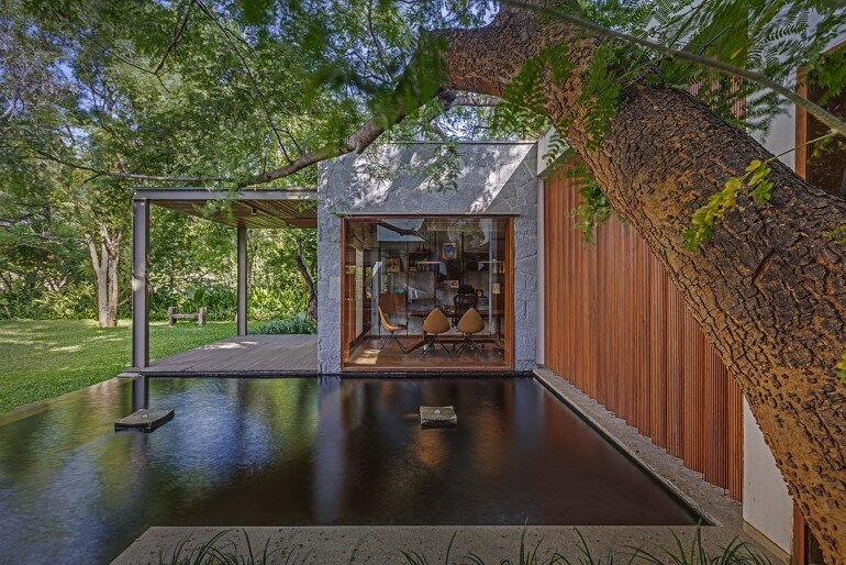 Krishnan House by Khosla Associates