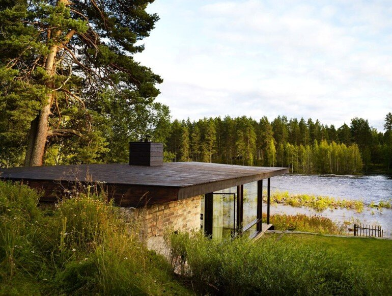 Lundnas House Combine Contemporary Aesthetics with Local Architectural Traditions (1)