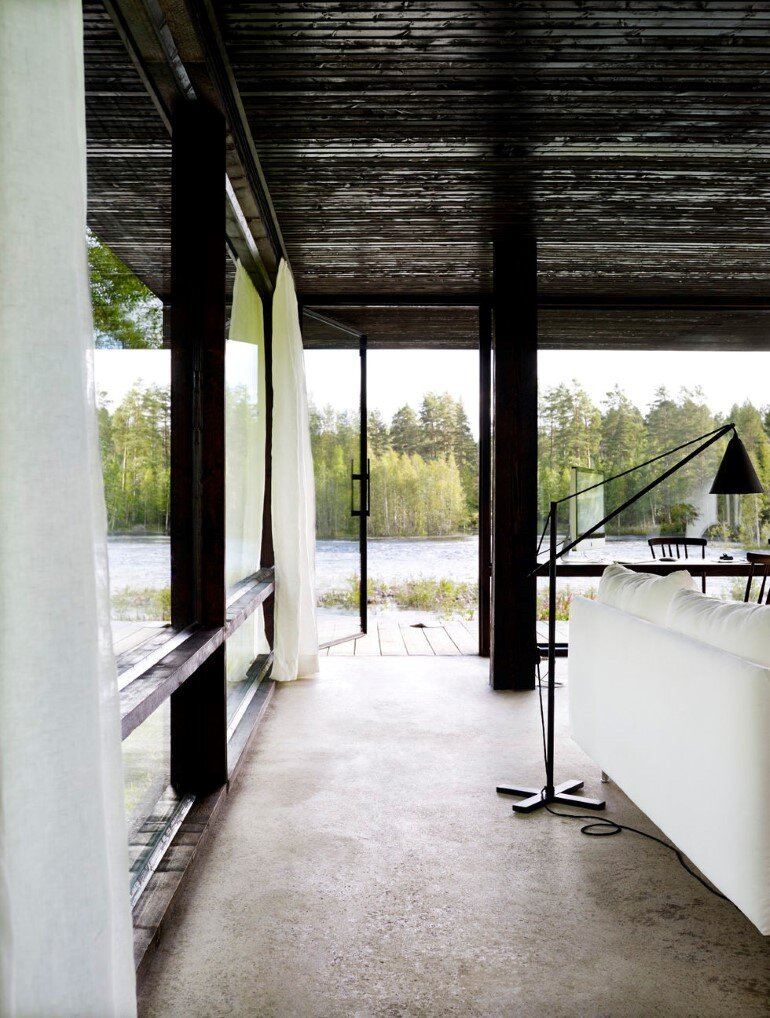 Lundnas House Combine Contemporary Aesthetics with Local Architectural Traditions (2)