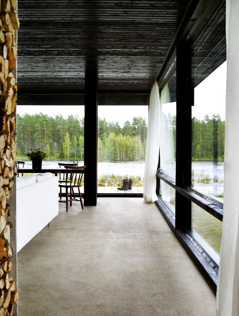 Lundnas House Combine Contemporary Aesthetics with Local Architectural Traditions (7)