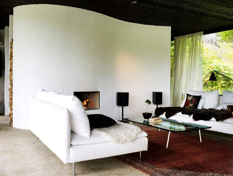 Lundnas House Combine Contemporary Aesthetics with Local Architectural Traditions (9)
