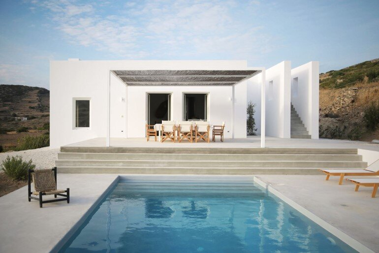 Modern and Minimalist House on the Island of Paros, Greece