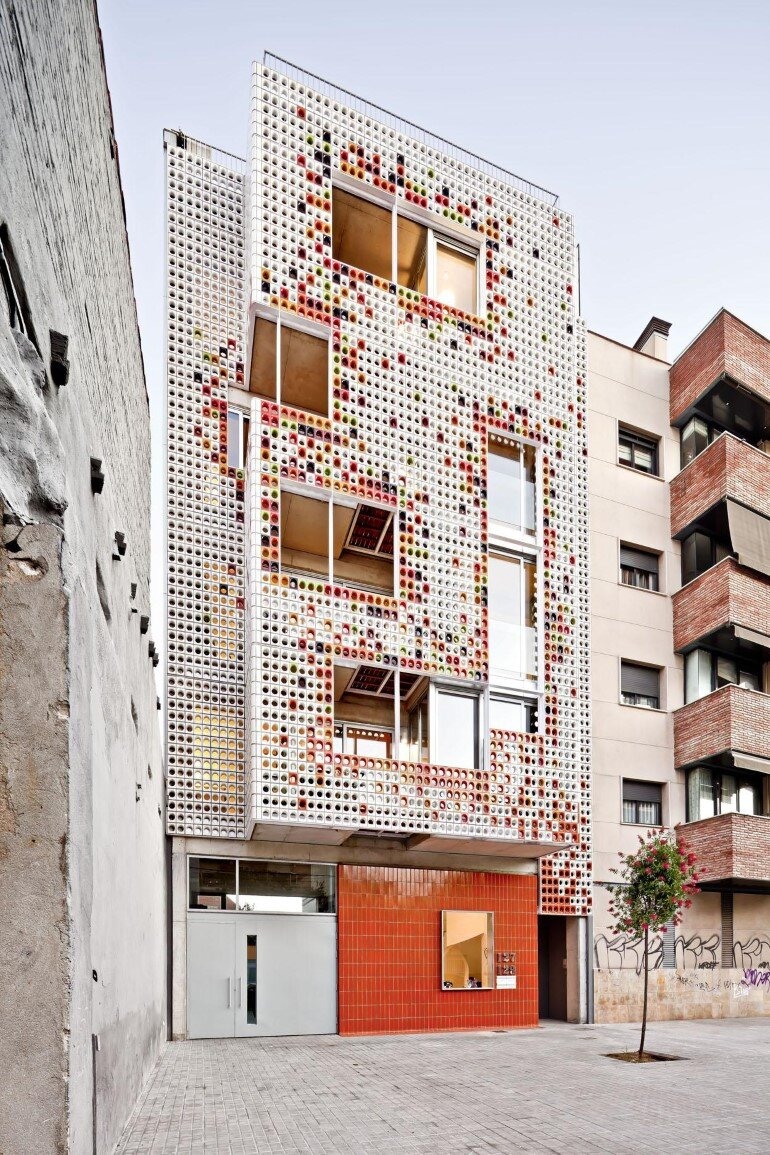 Multifamily Housing Designed with a Shiny Colorful Ceramic Facade (2)