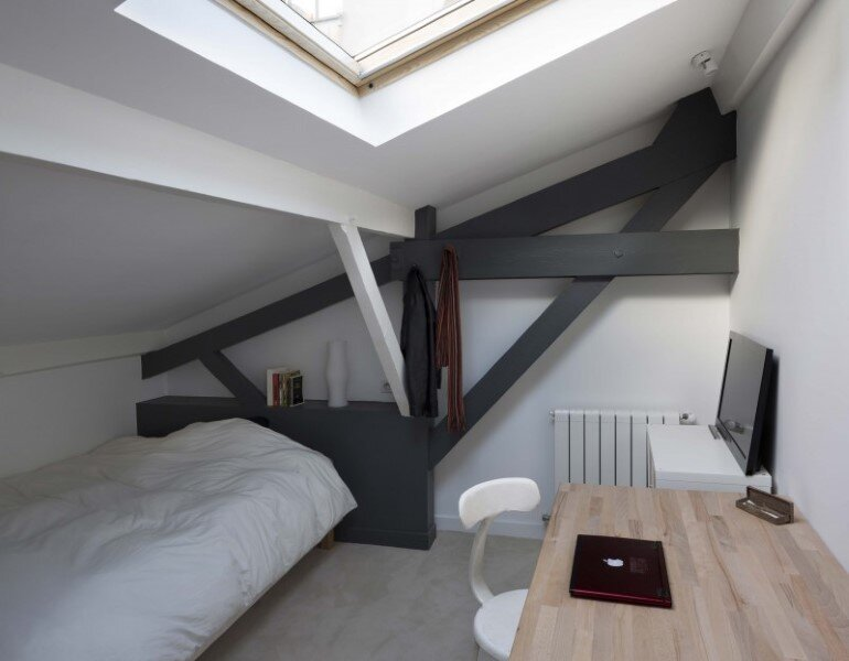 Old Carpentry Transformed into a Light-Filled Loft (10)