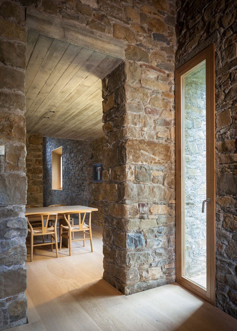 Rebuilding and Extension of the Farmhouse Can Calau (18)
