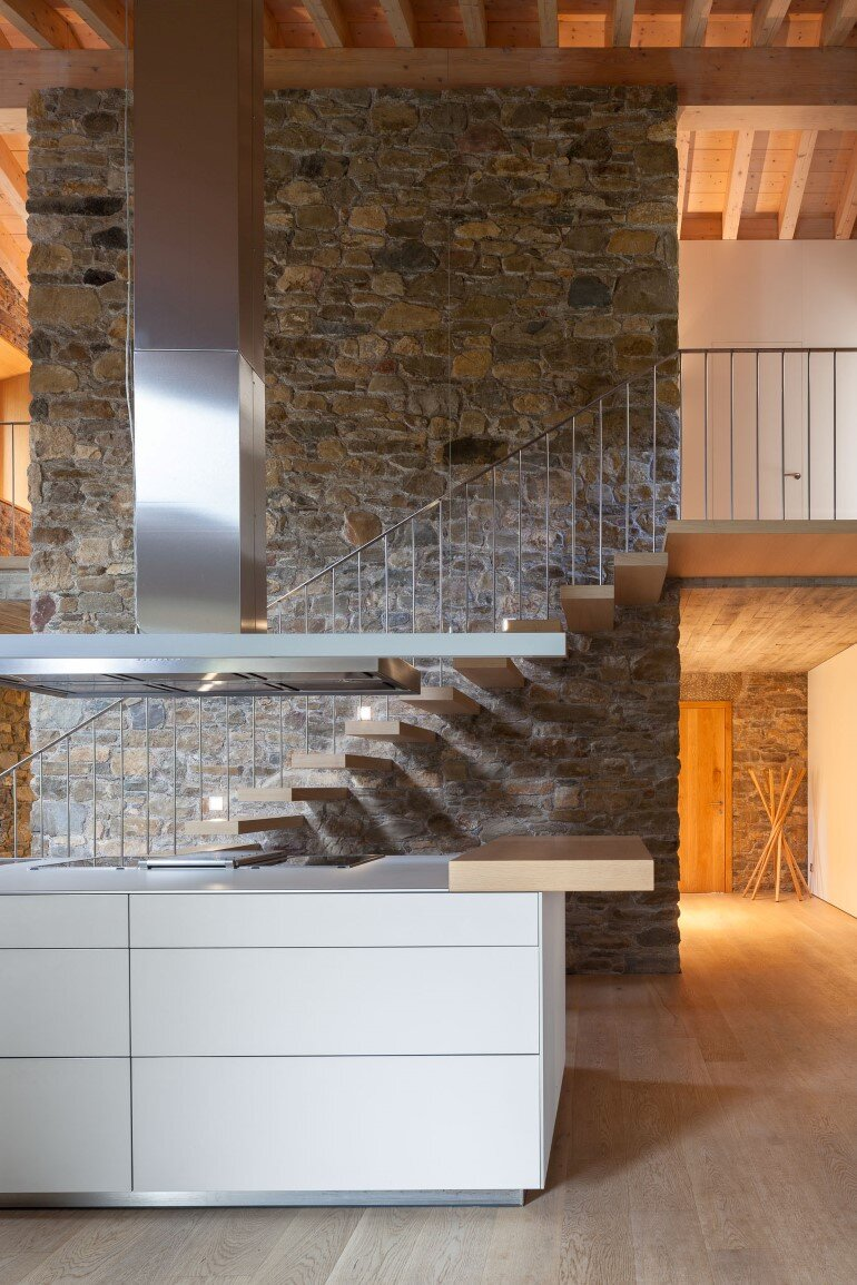 Rebuilding and Extension of the Farmhouse Can Calau (19)
