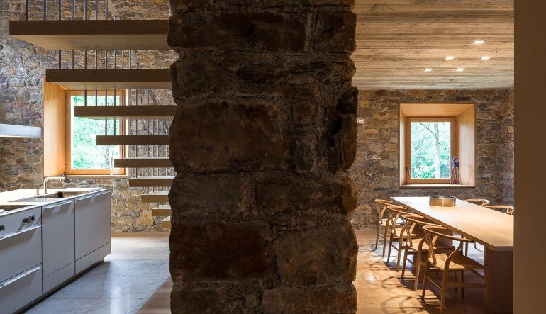 Rebuilding and Extension of the Farmhouse Can Calau (20)