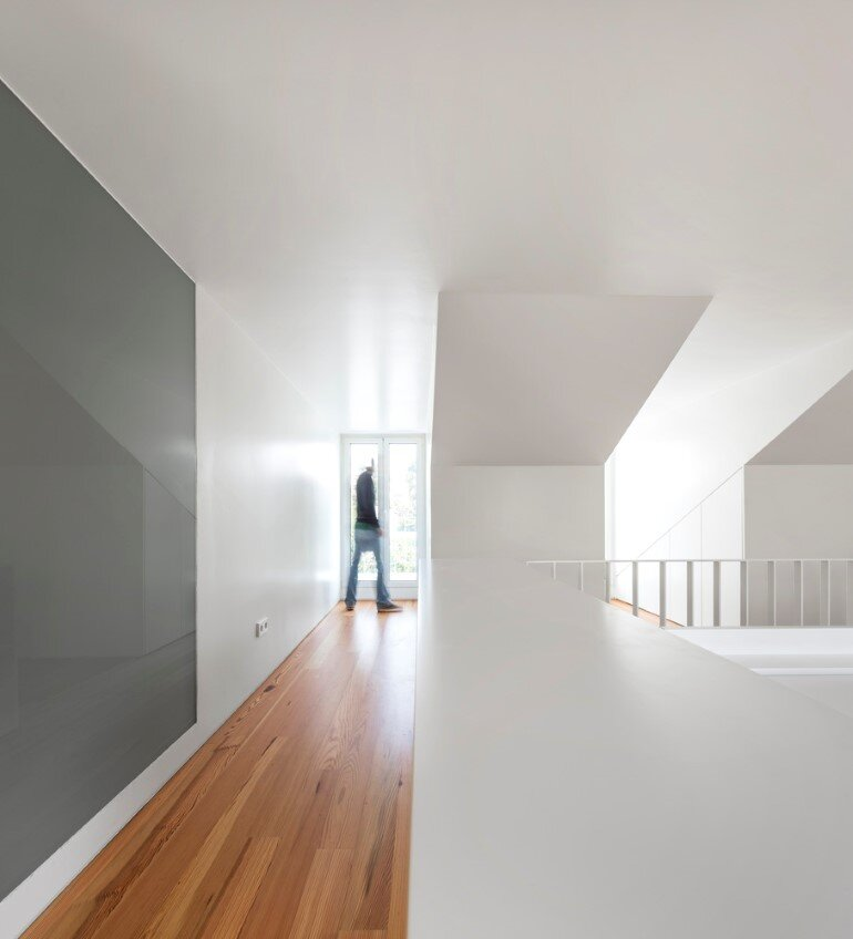 Refurbishment of a Semi-Detached House in Restelo Neighbourhood, in Lisbon (13)