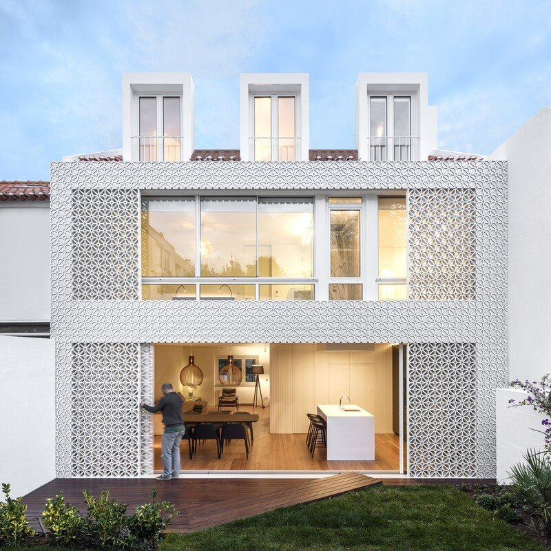 Refurbishment of a Semi-Detached House in Restelo Neighbourhood, in Lisbon (2)