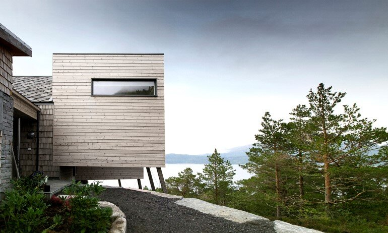 Straumsnes Holiday Cabin - Views Over a Norwegian Fjord 3