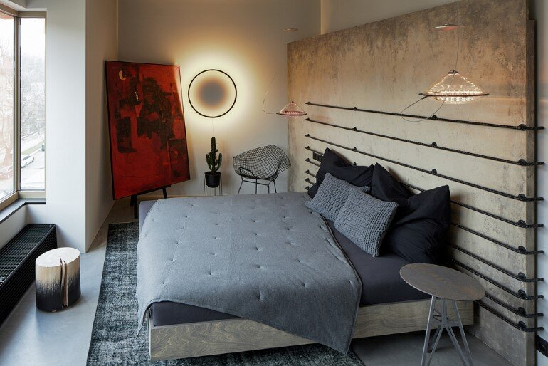 The Loft Hrebenky Combines Rawness and Plenty of Tailor-Made Pieces (20)