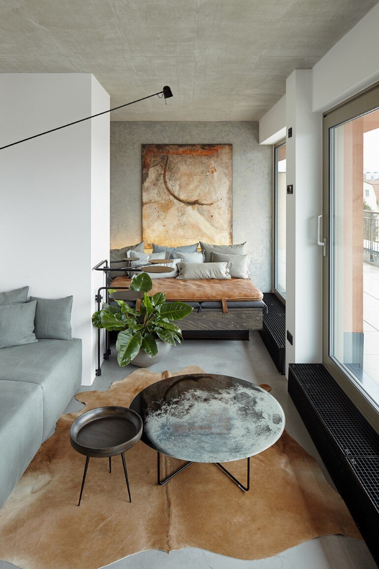 The Loft Hrebenky Combines Rawness and Plenty of Tailor-Made Pieces (3)