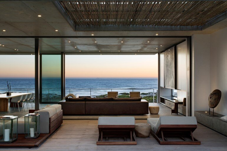 The Pearl Bay House is Modern, Minimal and Maximises the Sensational Ocean Views (4)