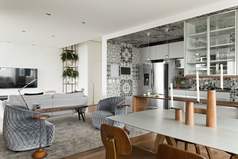 This Apartment Has a Kitchen Area Fully Clad with Porcelain Tiles (1)