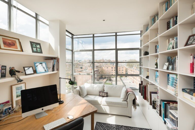 This London Penthouse Offers Double-Height Spaces and Extensive Terracing (20)