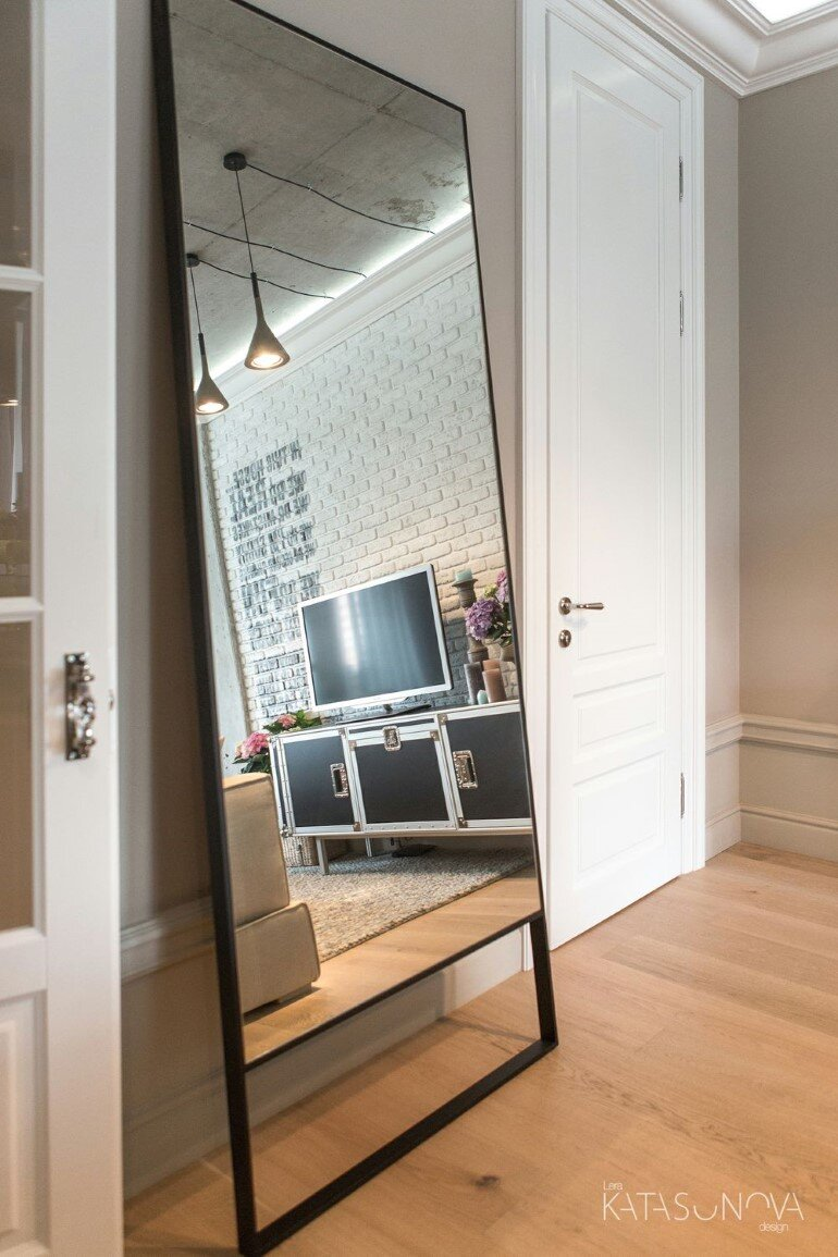 This Small Apartment Was Designed for a Young Woman (13)