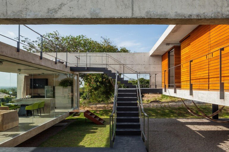 Two Beams House - Wiew, Ventilation and Natural Lighting (2)