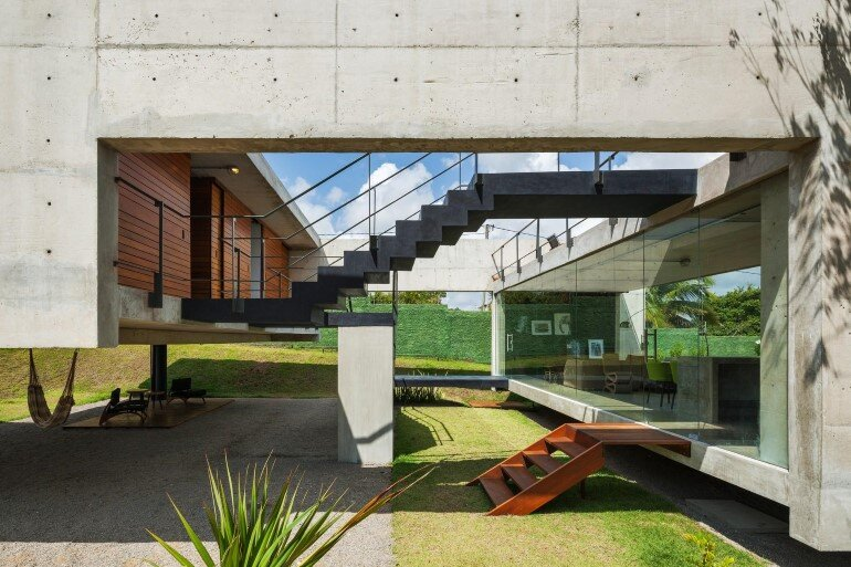 Two Beams House - Wiew, Ventilation and Natural Lighting (8)