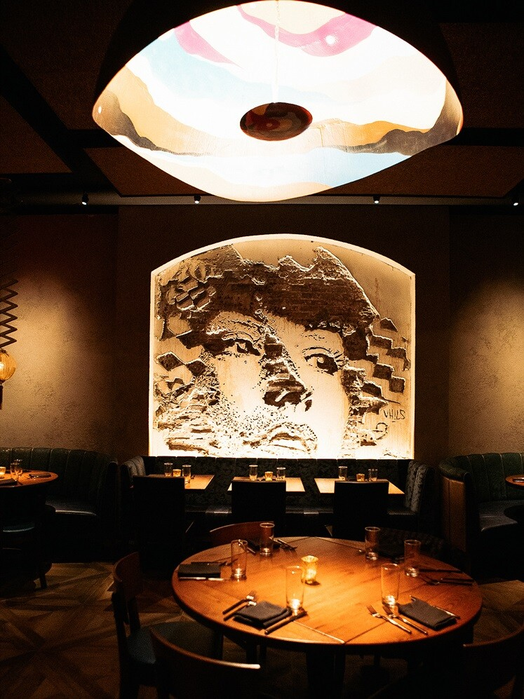 Vandal Restaurant Celebrates Street Art and Street Food (17)