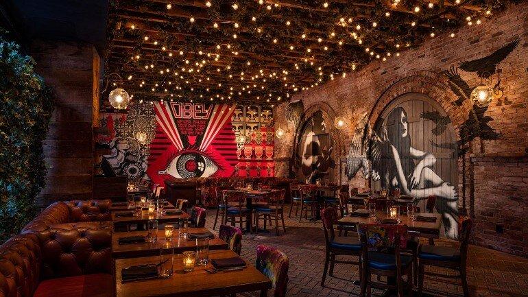 Vandal Restaurant Celebrates Street Art and Street Food (6)