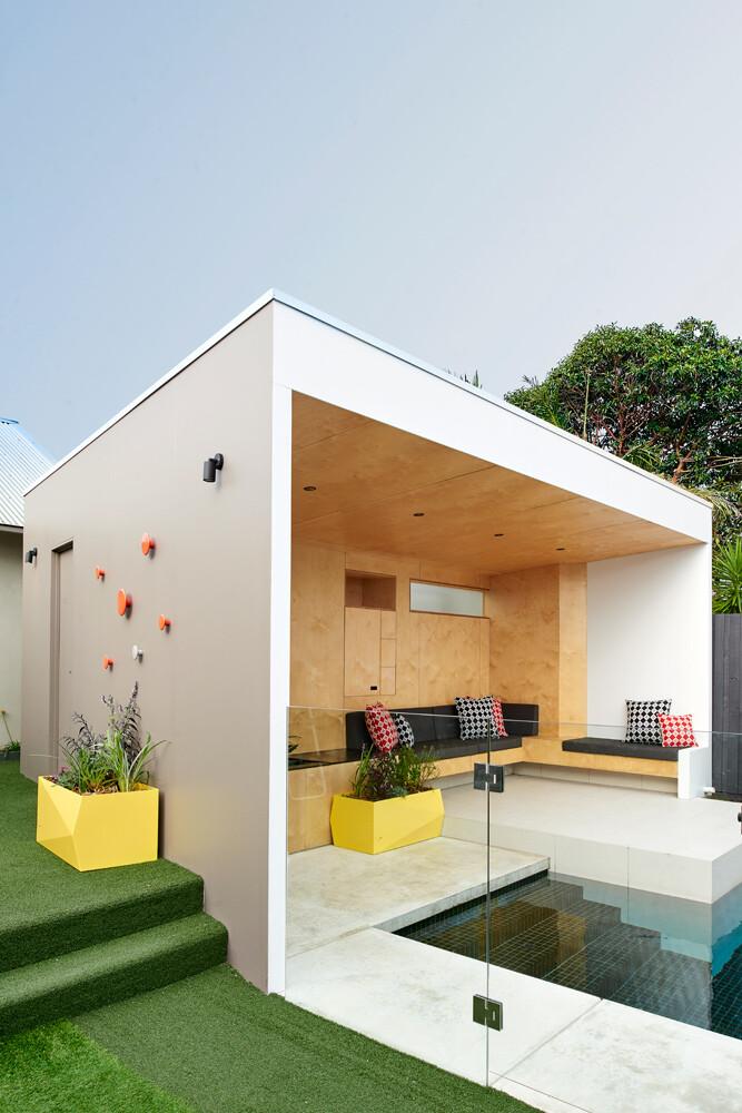 Brighton Bunker - Outdoor Living Space by Dan Gayfer Design (14)